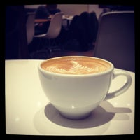 Photo taken at BLENZ COFFEE 神田小川町店 by つか な. on 1/31/2013