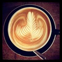 2/10/2013につか な.がOnibus Coffeeで撮った写真