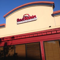 Photo taken at Red Robin Gourmet Burgers by Treblif Z. on 6/1/2013