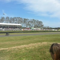 Foto scattata a Goodwood Motor Racing Circuit da James G. il 9/15/2012