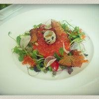 Снимок сделан в Restaurant Le Dome пользователем Beatrisa K. 5/16/2013