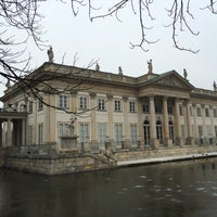 Photo prise au Muzeum Łazienki Królewskie w Warszawie par Hüseyin A. le2/26/2016