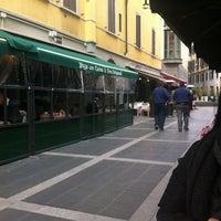 Foto tirada no(a) Taverna Del Borgo Antico por Den F. em 4/4/2013