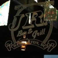 Foto scattata a JR's Bar & Grill da Beau M. il 11/29/2012