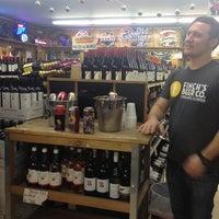 Photo prise au Vas Foremost Liquors par Jenny F. le11/8/2013