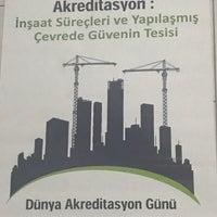 รูปภาพถ่ายที่ Koçak Speedol โดย Öyküü S. เมื่อ 6/9/2017