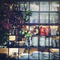 Снимок сделан в The East Pole - Kitchen & Bar пользователем Nicole F. 9/26/2013