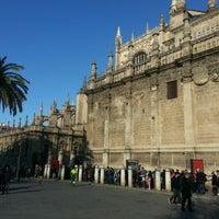 12/29/2012 tarihinde Leandro d.ziyaretçi tarafından 383. Cathedral, Alcázar and Archivo de Indias in Seville (1987)'de çekilen fotoğraf