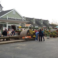Photo taken at Delicious Orchards by Geoffrey G. on 10/6/2012