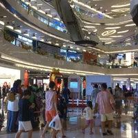 Photo prise au Lippo Mall Kemang par Samuel P. le1/1/2013