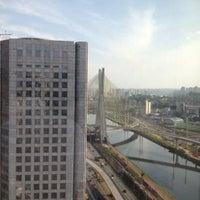 Foto tirada no(a) Sheraton São Paulo WTC Hotel por Mario A. em 10/3/2012