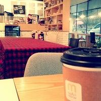 Photo taken at 카페 마시멜로우 cafe marshimallow by Eri P. on 12/9/2013
