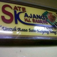 Photo taken at Sate Kajang Haji Samuri by Fendy S. on 12/24/2012