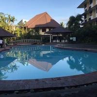 Photo taken at La Filipiniana Hotel by kleomarlo on 3/10/2016