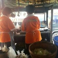 Photo taken at Kupat Tahu Dompleng Blabak by agus s. on 12/28/2015