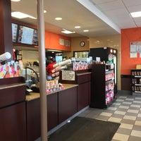 5/7/2017에 Keith L.님이 Dunkin' Donuts에서 찍은 사진