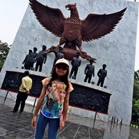 Photo taken at Monumen Pancasila Sakti by Dewono S. on 3/26/2016