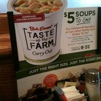 Photo taken at Bob Evans Restaurant by Leslie B. on 1/6/2013