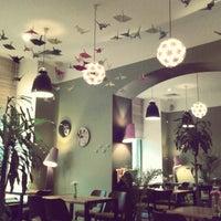 Foto tirada no(a) Cafe King Pong por Dmitry K. em 11/24/2012