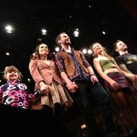 Foto tirada no(a) Phoenix Theatre por Kresimir Z. em 3/23/2013