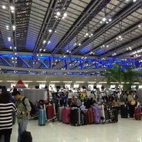 """Photo taken at Check-In Row """"R"""" by takakoji on 3/22/2013"""