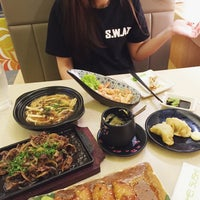 Photo taken at Hei Sushi by Farhanna T. on 2/10/2015