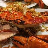 Photo taken at Rasane Seafood & Ikan Bakar by Sarah Yana A. on 10/13/2016