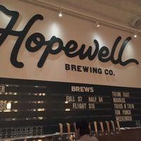 รูปภาพถ่ายที่ Hopewell Brewing Company โดย Dan L. เมื่อ 3/11/2018