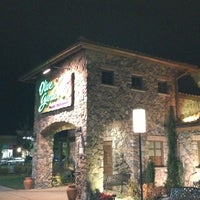Photo taken at Olive Garden by Essa S. on 10/8/2012