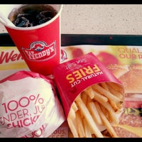 Photo taken at wendy's by Maria D. on 6/19/2013