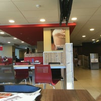 Photo taken at Burger King by Фёдор Ф. on 7/29/2016