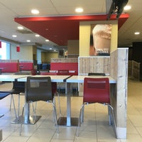 Photo taken at Burger King by Фёдор Ф. on 6/28/2016