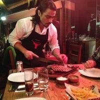 3/15/2013 tarihinde Cankan Ü.ziyaretçi tarafından Nusr-Et Steakhouse'de çekilen fotoğraf