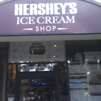 Photo taken at Hershey's Ice Cream Shoppe by Peachies 🎀 on 10/26/2012