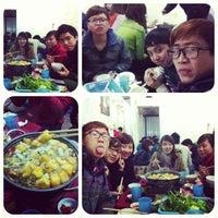 Photo taken at Lẩu riêu cua Lan Béo by Noong M. on 2/21/2013