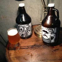 Foto tomada en Smog City Brewing Company por Ray L. el 9/1/2013