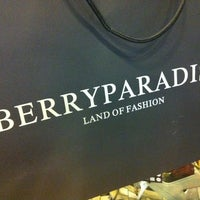 Photo taken at Berryparadise by Zynes C. on 11/3/2012