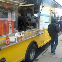 10/4/2012にJohn P.がBon Me — Blue Truckで撮った写真