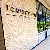 4/17/2015 tarihinde Tom A.ziyaretçi tarafından Tom's Kitchen'de çekilen fotoğraf