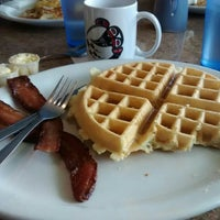 Photo taken at Patty's Eggnest & Turkey House in Arlington by Arun A. on 4/11/2015