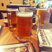 Photo taken at Boneheads Wing Bar by Victor S. on 2/18/2017