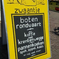 Photo taken at Restaurant Rondvaartbedrijf Zwaantje 't by Evelyn S. on 5/4/2016