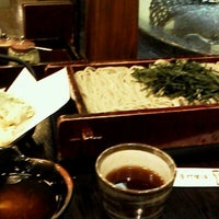 Photo taken at Suzakaya Soba by izutan :. on 12/5/2012