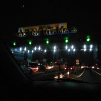 Photo taken at Gerbang Tol Cikarang Utama by umminya a. on 8/31/2017