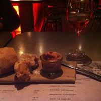 3/19/2013 tarihinde Robert S.ziyaretçi tarafından innio restaurant and bar'de çekilen fotoğraf