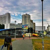 Снимок сделан в Голосеевская площадь пользователем ALEXIS N. 6/27/2013