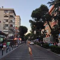 7/2/2013 tarihinde Zezeziyaretçi tarafından Caddebostan Barlar Sokağı'de çekilen fotoğraf