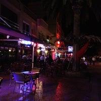 11/10/2012 tarihinde Zezeziyaretçi tarafından Bodrum Barlar Sokağı'de çekilen fotoğraf
