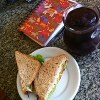 Foto tirada no(a) Café Estrela por Solange B. em 2/14/2014