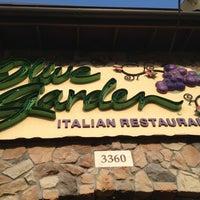 Photo taken at Olive Garden by Erin D. on 7/27/2014